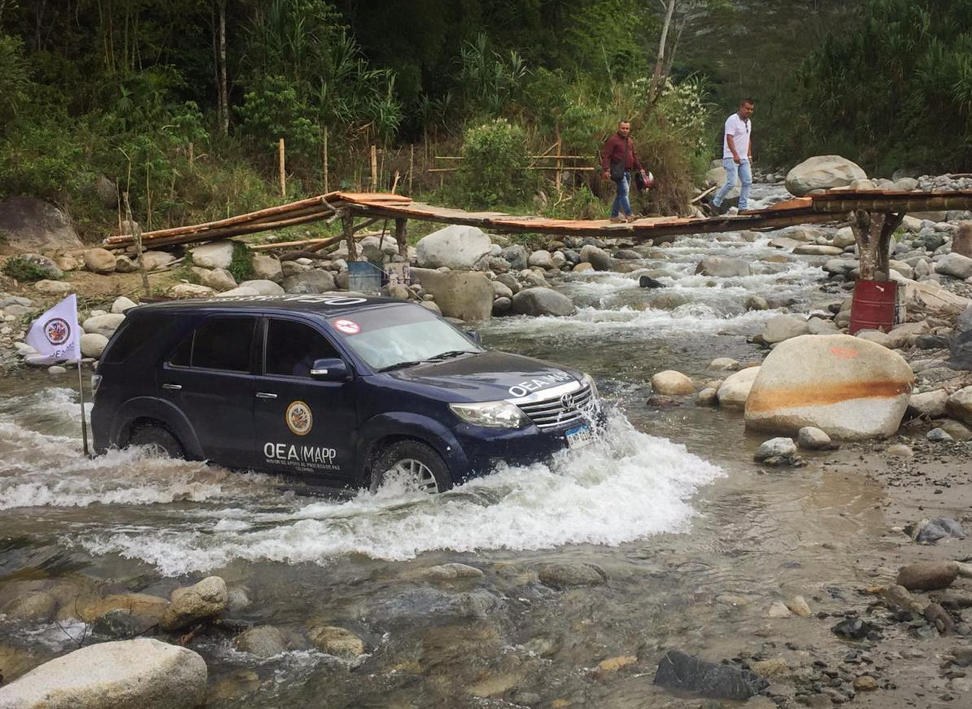 Atravezando ríos, la MAPP/OEA llegó al municipio de Florida, en el Valle del Cauca.